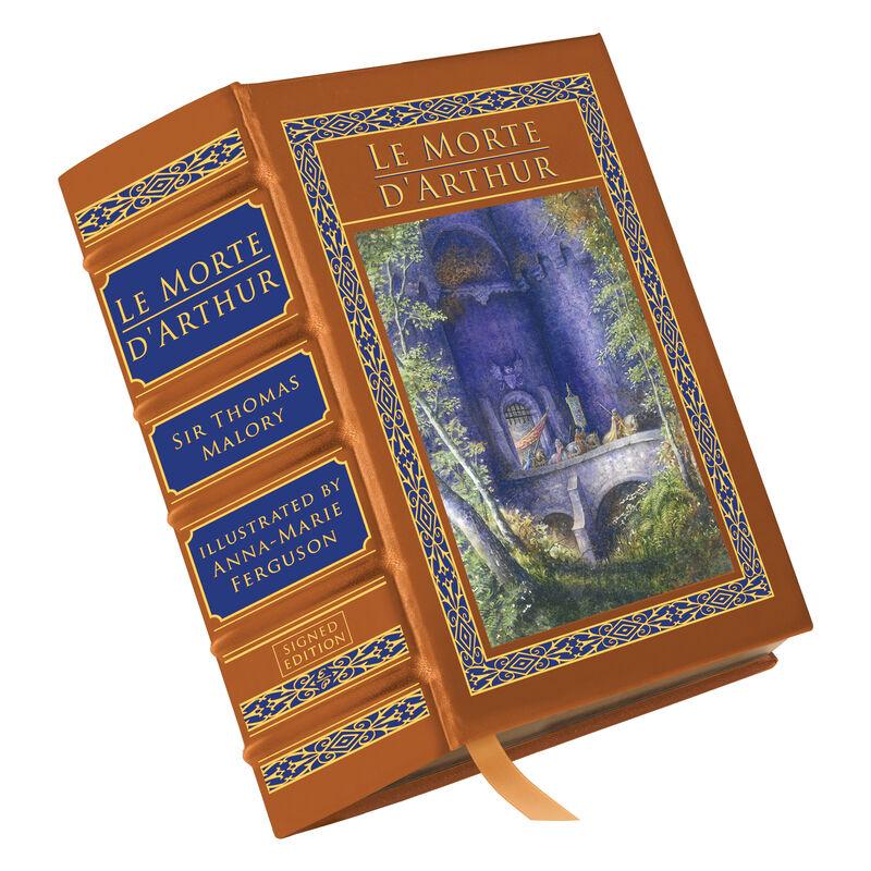 Le Morte d'Arthur 3680 a main